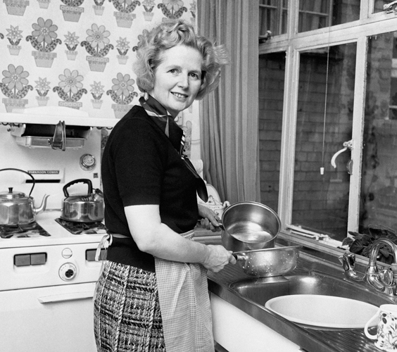 Margaret Thatcher, Housewife in Kitchen